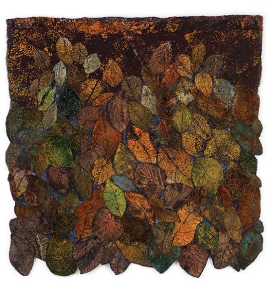 Lesley Richmond is a textile artist inspired by nature