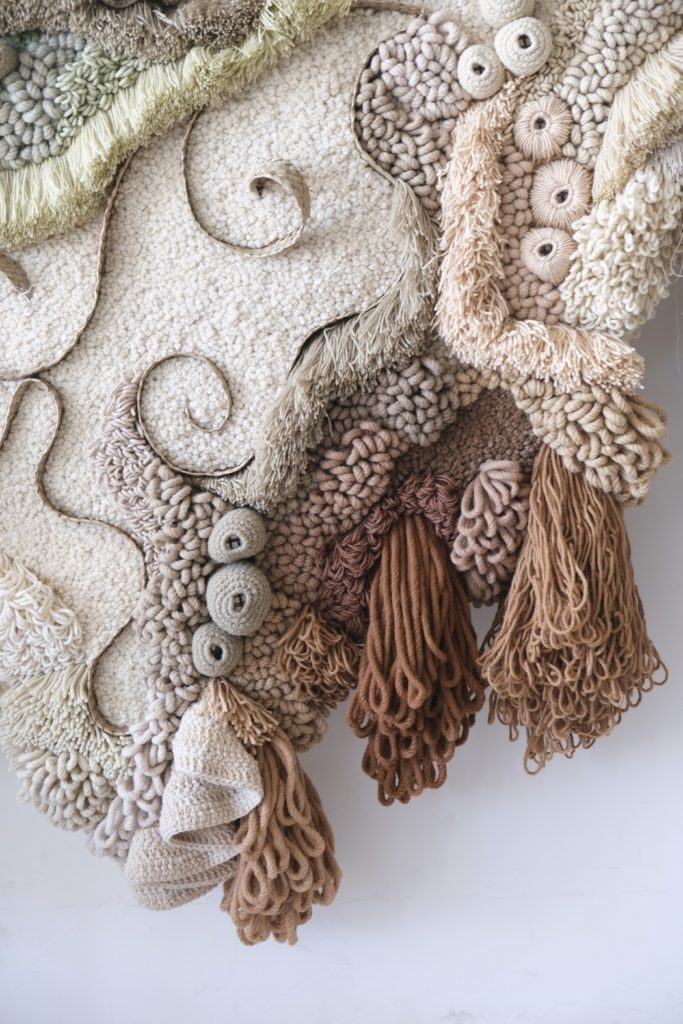 Vanessa Barragão: Nostalgia, 2020, 240cm x 185cm, 100% recycled wool & esparto, Latch hook, crochet, basketry and other fibre techniques.
